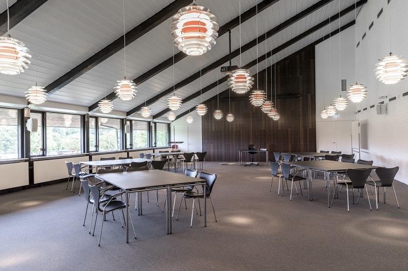 Foredragslokale med plads til 120 mennesker